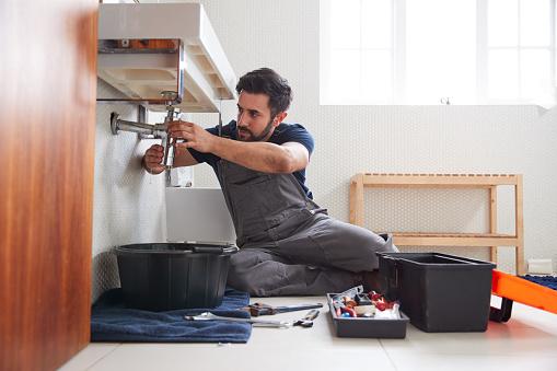 plombier réparation fuite eau